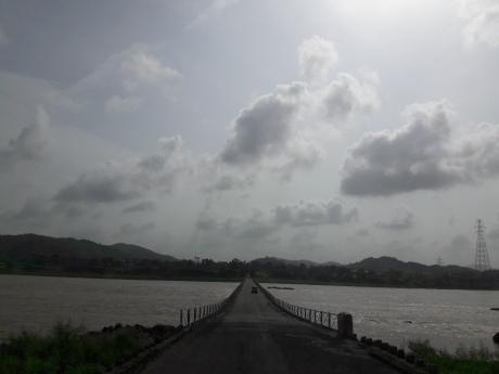 Road towards narmada dam